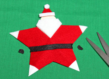 5 Point Star Santa Ornament step 17 trim belt