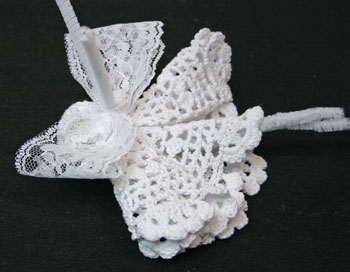 Easy Angel Crafts Doily Angel twist wire around lace