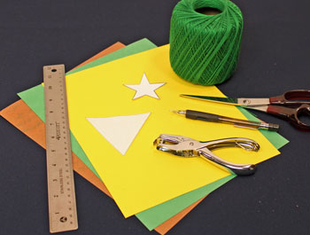 Easy Christmas Crafts Construction Paper Triangles Christmas Tree materials and tools