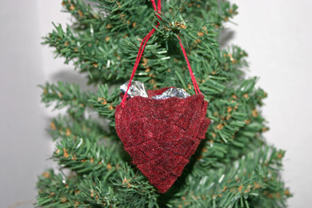 Easy Christmas Crafts Felt Basket dark red version