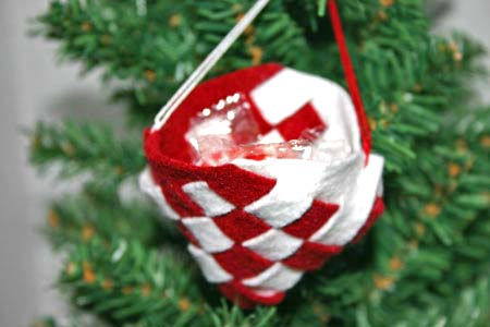 Easy Christmas Crafts Felt Basket red and white filled with candy on the tree