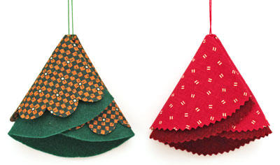 Easy Christmas Crafts Folded Felt and Fabric Christmas Tree red and green versions side by side
