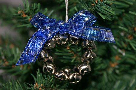 Easy Christmas Crafts Jingle Bell Wreath blue and silver on Christmas tree