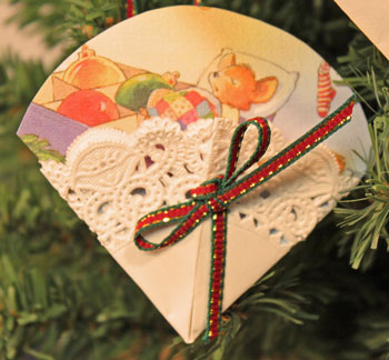 Easy Christmas Crafts Paper Doily Greeting Card Ornament waiting for Christmas morning