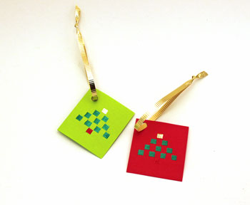 Easy Christmas Crafts Ribbon Tree Package Tag two finished tags in green and red