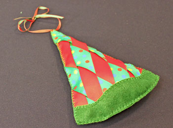 Easy Christmas Crafts Woven Ribbon Christmas Tree Door Hanger step 19 finished