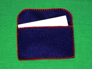 Easy felt crafts busines card holder with business cards