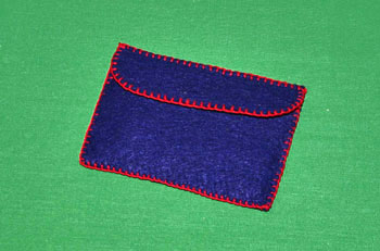 Easy felt crafts business card holder closed all cards