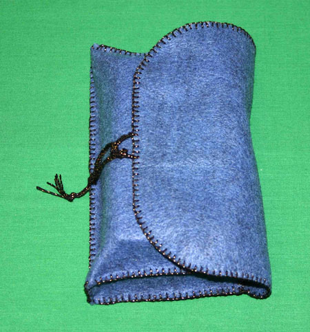 Easy felt crafts coupon holder finished closed full