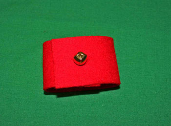 Easy felt crafts napkin ring red with bell buttoned