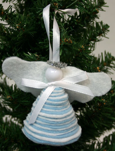 Easy Angel Crafts - Felt Circles Angel - finished and hanging on tree
