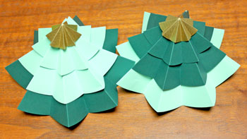 Folded Paper Circles Christmas Tree step mix and match another set of two