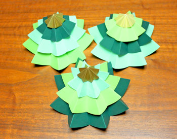 Folded Paper Circles Christmas Tree mix and match layers three versions