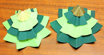 Folded Paper Circles Christmas Tree mix and match two versions