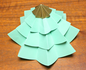 Folded Paper Circles Christmas Tree step 11 stack to form tree shape