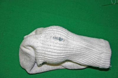 Frugal-Fun-Crafts-Mending-Socks-with-light-bulbs-white-sock-back-hole1