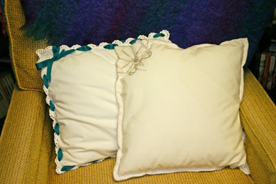 Frugal fun crafts - napkin pillow - two in chair