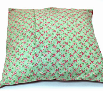 Fun Easy Woven Ribbon Pillow Plaid step 18 insert pillow
