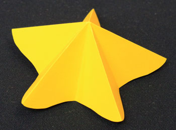 Easy Angel Crafts Paper-Star-Angel-Ornament-Pattern Step 4 reverse fold