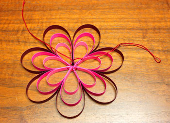Paper Strips Flower step 8 pull and tie yarn