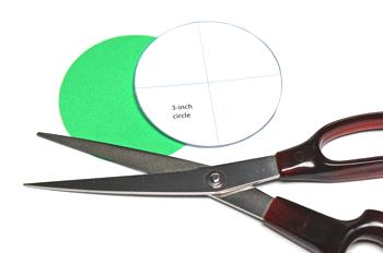 Round Paper Circles Ornament step 1 cut large circle