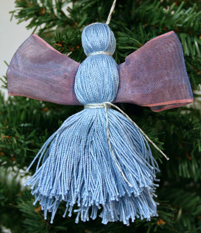 Easy Angel Crafts - Yarn Angel - Blue and silver