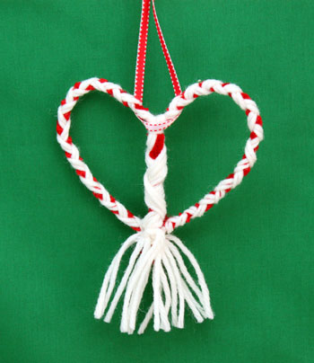 Yarn and Chenille Wire Heart Ornament finished and hanging