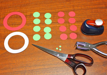 Circle Wreath Ornament step 1 cut circle shapes