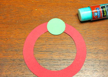 Circle Wreath Ornament step 2 begin gluing first circle