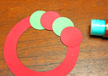 Circle Wreath Ornament step 3 add circles alternating colors