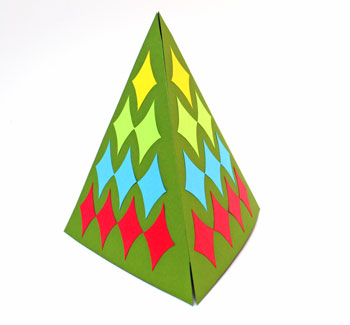 Diamond Shapes Christmas Tree step 15 corner display view