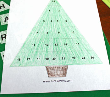 Easy Advent Christmas Tree coloring version step 3 glue base