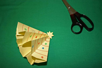 Easy Christmas crafts - folded paper Christmas tree open star shape