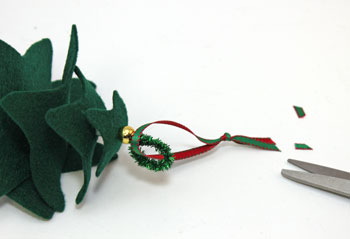 Felt and Chenille Wire Christmas Tree step 8 add ribbon loop