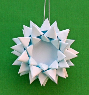Paper Chrysanthemum Ornament