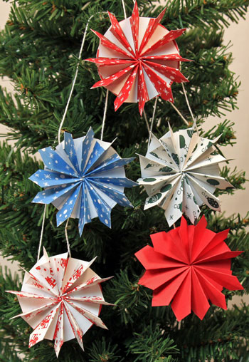 funEZcraftsEasy Christmas CraftsPaper Pinwheel Wreath Ornament