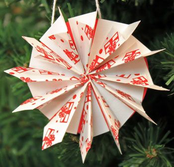 Easy Christmas Crafts Paper Pinwheel Wreath Ornament white and red