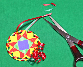 Paper Quilt Patch Ornament step 17 form hanging loop