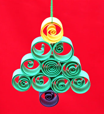 Quilled Paper Christmas Tree Ornament step 10 hang to display
