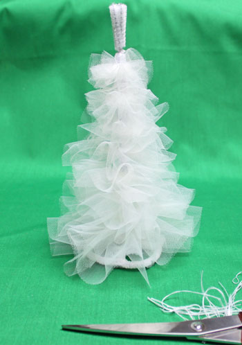 Tulle and Chenille Christmas Tree step 10 distribute layers