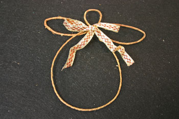 Easy Angel Crafts - Wire Angel - tie bow in ribbon